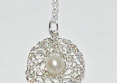 "MetaLace sterling silver pendant, circle with white pearl, 7/8"" on 18"" rope chain"